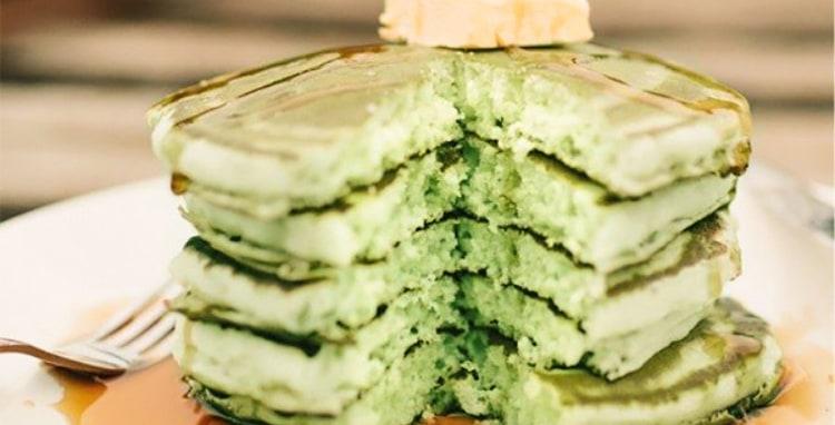 Green Eggs & Pancakes