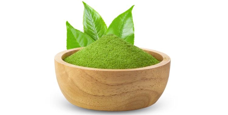 matcha tea and leaves